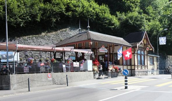 A viagem começa na charmosa estação de Brienz. The trip starts in the charming Brienz station
